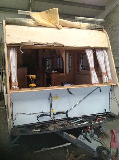 steve-barnett-caravan-repairs-damp2-2