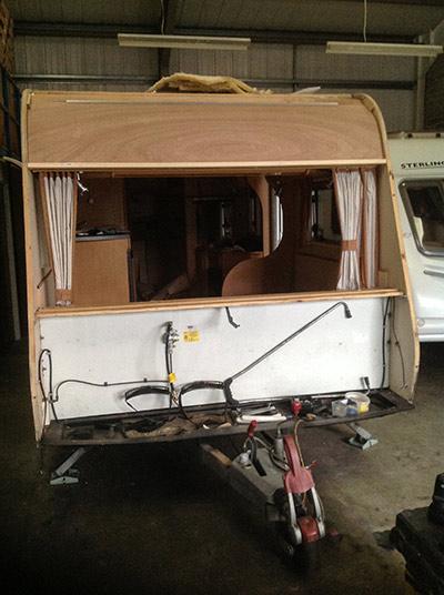 steve-barnett-caravan-repairs-damp2-3