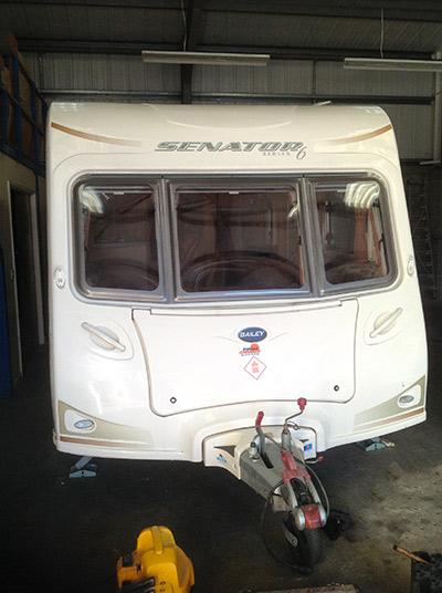 steve-barnett-caravan-repairs-damp2-4